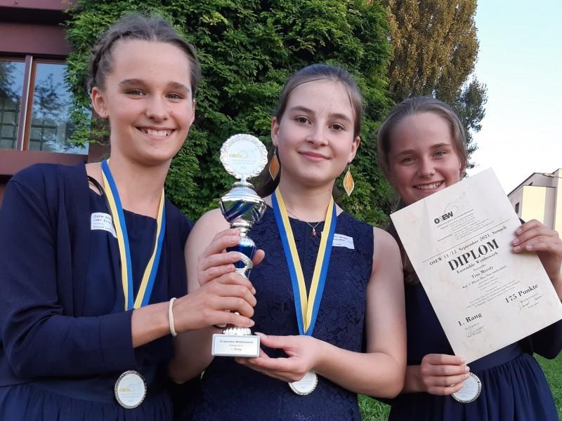 Raquel und Lyn gewinnen Kammermusik-Wettbewerb OSEW 2021