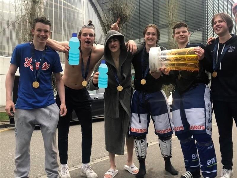 Eishockey: Mehrere KuSs ZO-Schüler sind Schweizermeister U17 Elite!