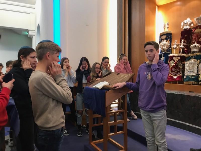Religion, Kultur und Ethik: Besuch einer Synagoge der 2. Sek