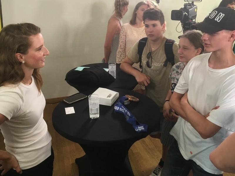 2. Sek trifft Janine Alder