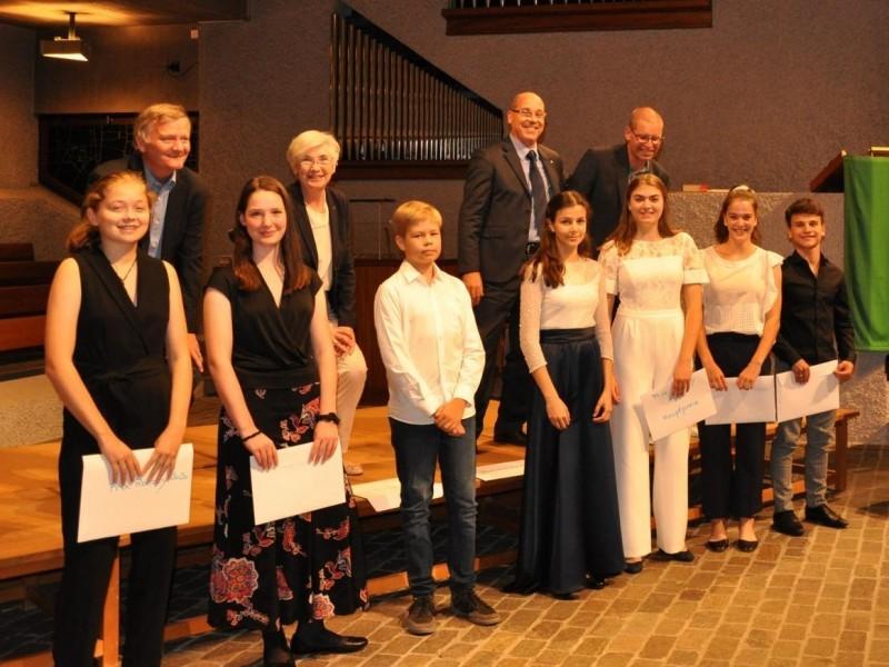Kontrabass: Chiara Zangerle gewinnt am Prix Rotary den ersten Preis!